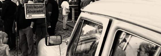 Der Staatswagen der Freien Republik Schwarzenberg war 1945, zur Zeit des wahren Geschehens, noch nicht erfunden.